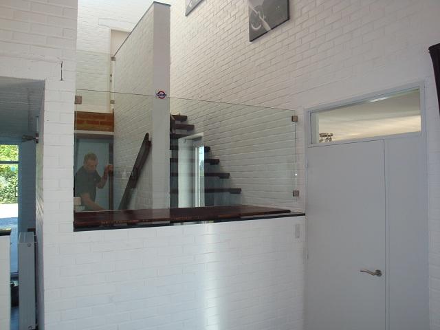 remplacement et placement de vitres verres et vitrines. Black Bedroom Furniture Sets. Home Design Ideas